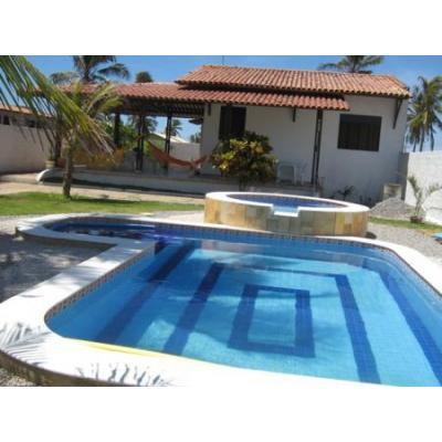maison de plage avec piscine pour enfants et adultes