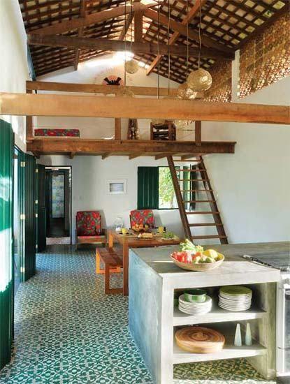 cuisine intégrée avec la zone sociale de la maison de plage