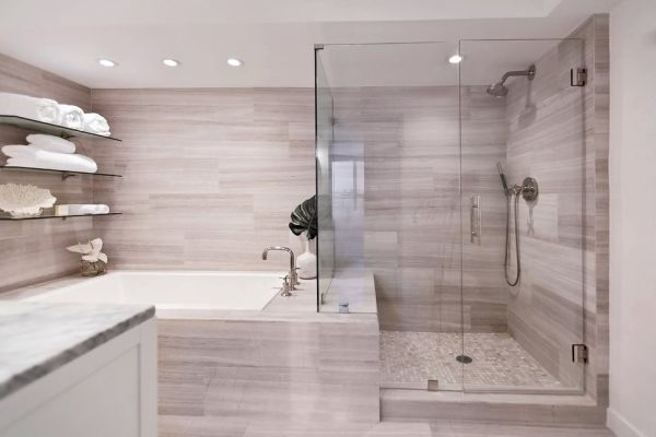 suite avec placard et salle de bain