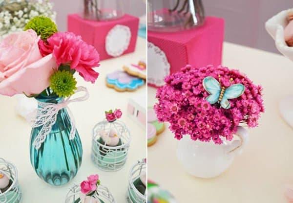des fleurs pour la fête d'anniversaire