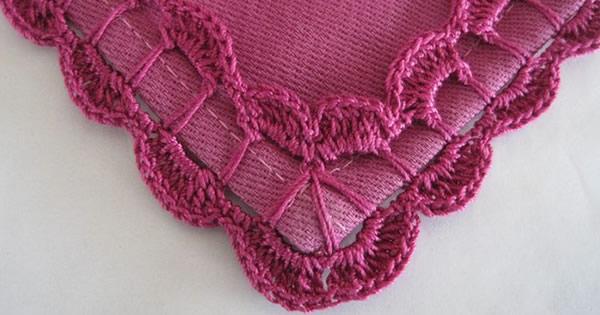 Buses de crochet roses