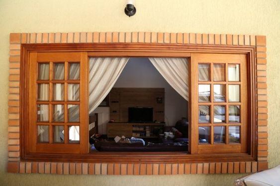 Modèles de fenêtres de maisons en bois