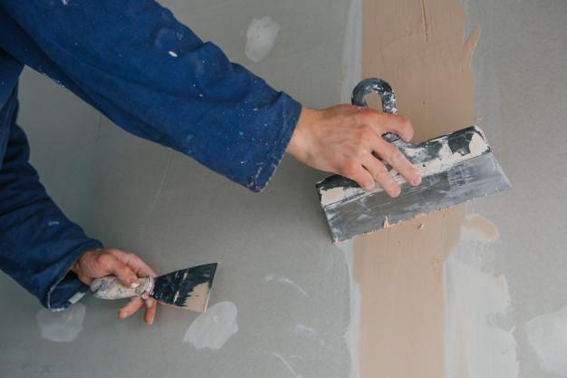 comment préparer le plâtre pour les petites réparations