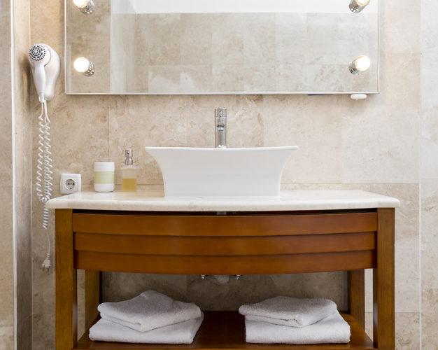 1599724555 572 Papier peint dans la salle de bains comment sinscrire
