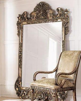 décoration avec des miroirs appuyés sur le sol 2
