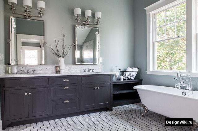 Grande salle de bain de style classique