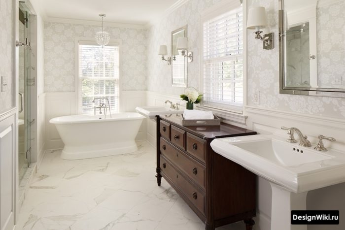 Salle de bain classique aux couleurs claires