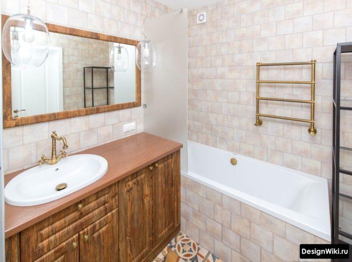 Meuble de salle de bain antique