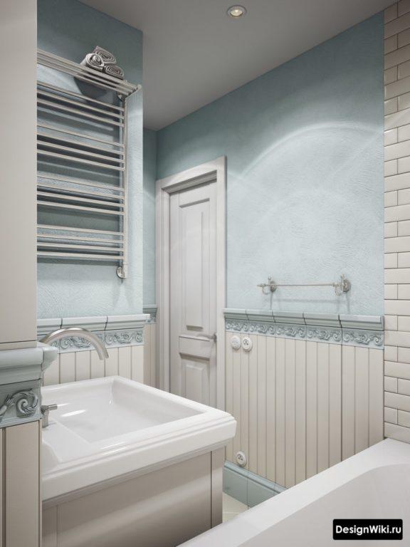 Intérieur de la salle de bain aux couleurs pastel délicates