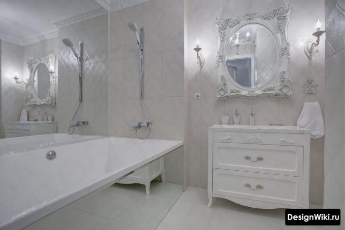Conception de salle de bain blanche de style provençal