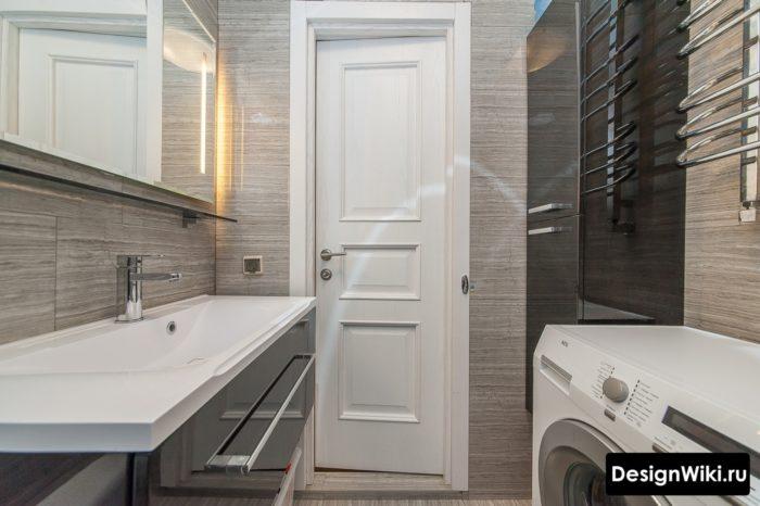 Porte étroite 70 dans la salle de bain à Khrushche