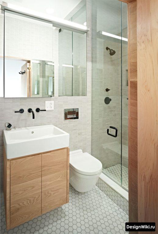 Gris et bois dans la salle de bain à Khrouchtchev