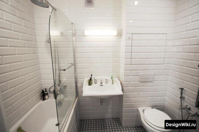 Est-il possible de choisir un carreau de porc blanc dans la salle de bain