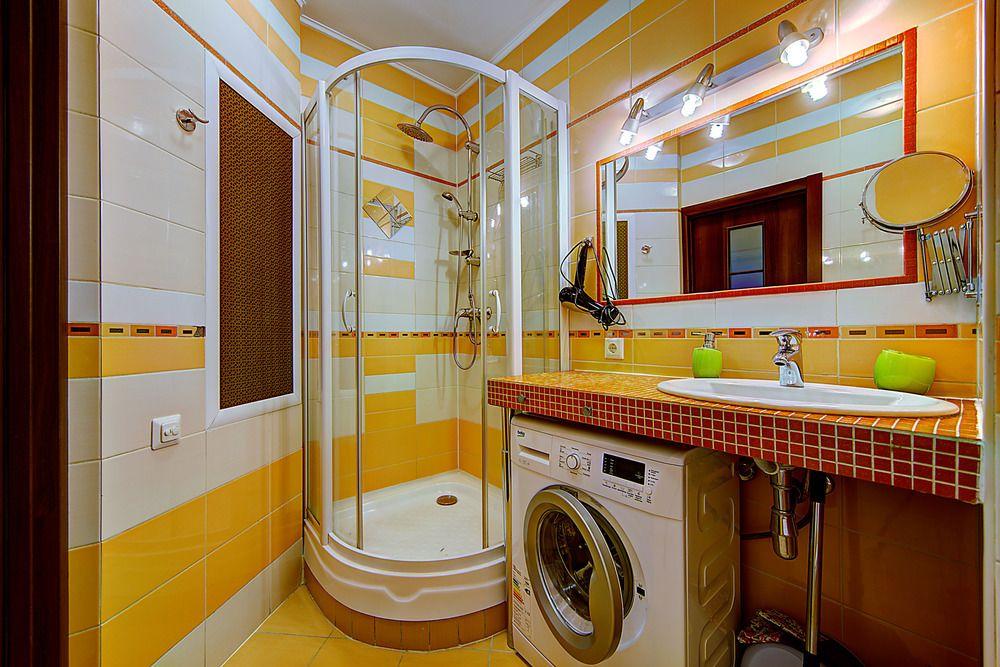 Salle de bain en jaune: exemples de photos réelles et idées de design