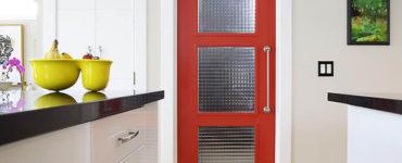 Двери на маленькую кухню - проблемы выбора