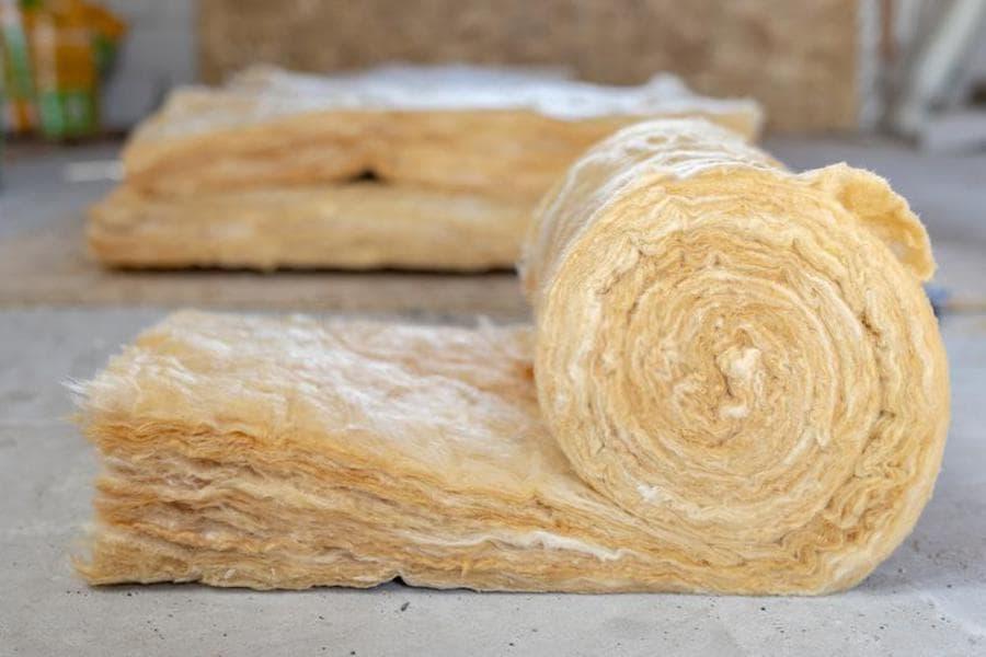 La laine minérale est l'un des matériaux d'isolation les plus populaires utilisés pour l'isolation intérieure des maisons.