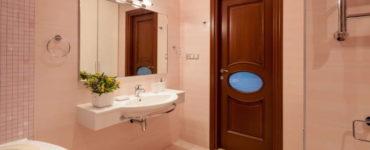 Какую дверь поставить в ванную и туалет?