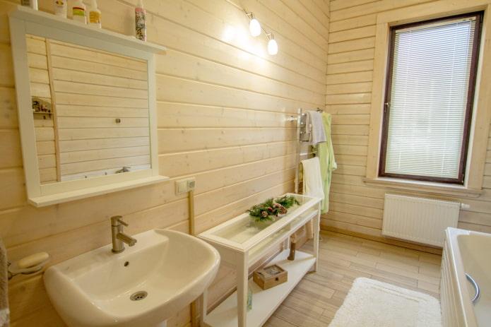 revêtement en bois dans une pièce humide