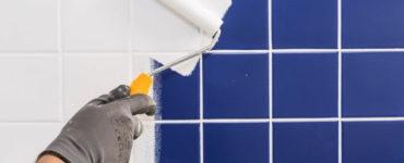 Как самостоятельно покрасить плитку в ванной?