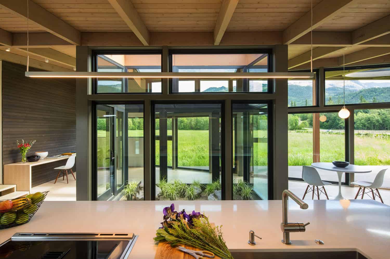 cuisine-moderne-cour intérieure