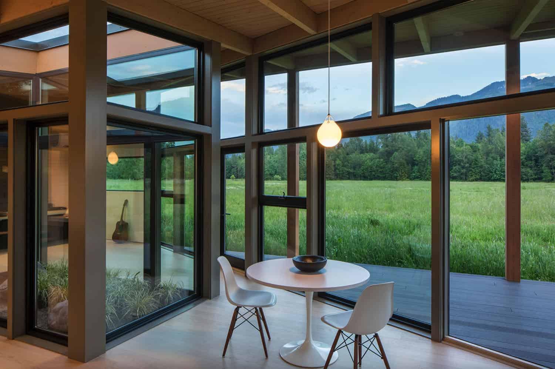 salle-a-manger-moderne-avec-vue