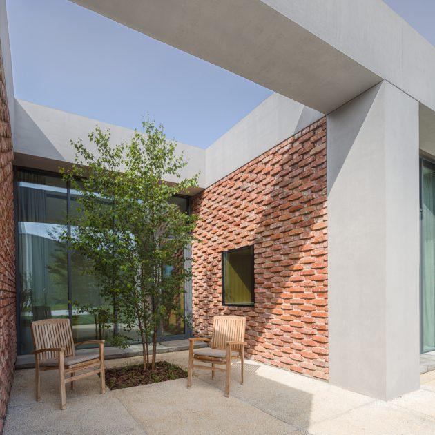 E + E House by Ene + Ene Arhitectura en Roumanie