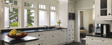 varnish How to glaze cabinets correctly (Easy to follow tips)