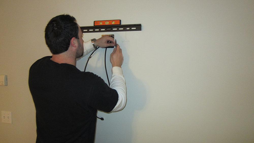 step1 À quelle hauteur installer le téléviseur dans votre chambre?  (Répondu)