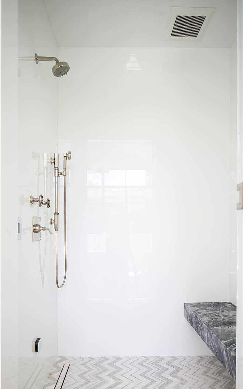 salle-de-bain-douche-moderne du milieu du siècle