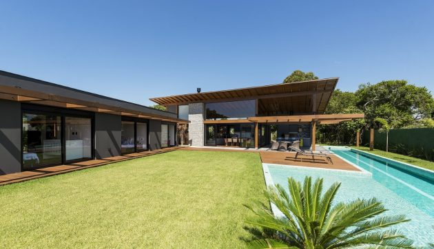 JP Residence by Sarau Arquitetura à Aracatuba, Brésil