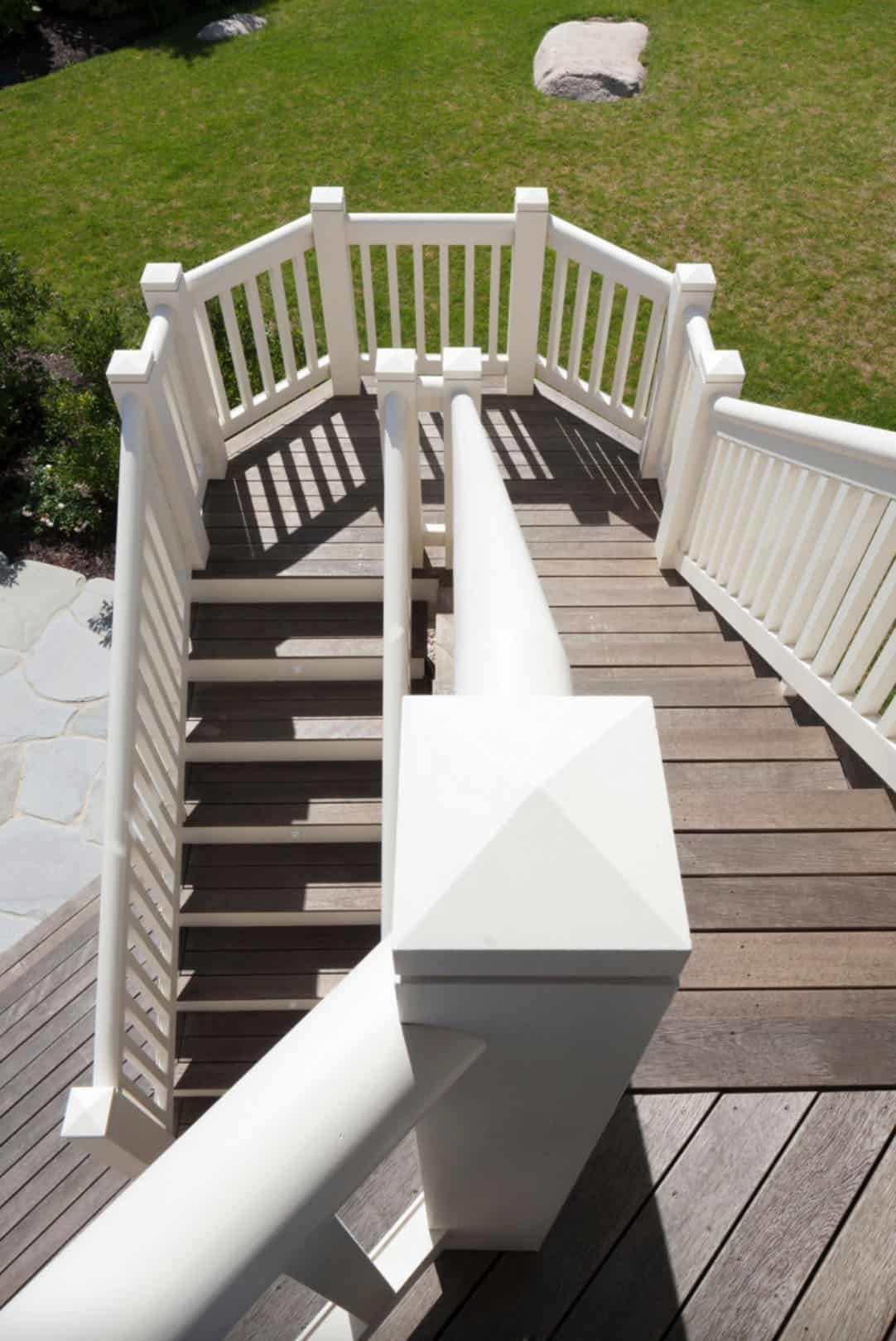 escalier-maison-de-plage-en-bardeaux