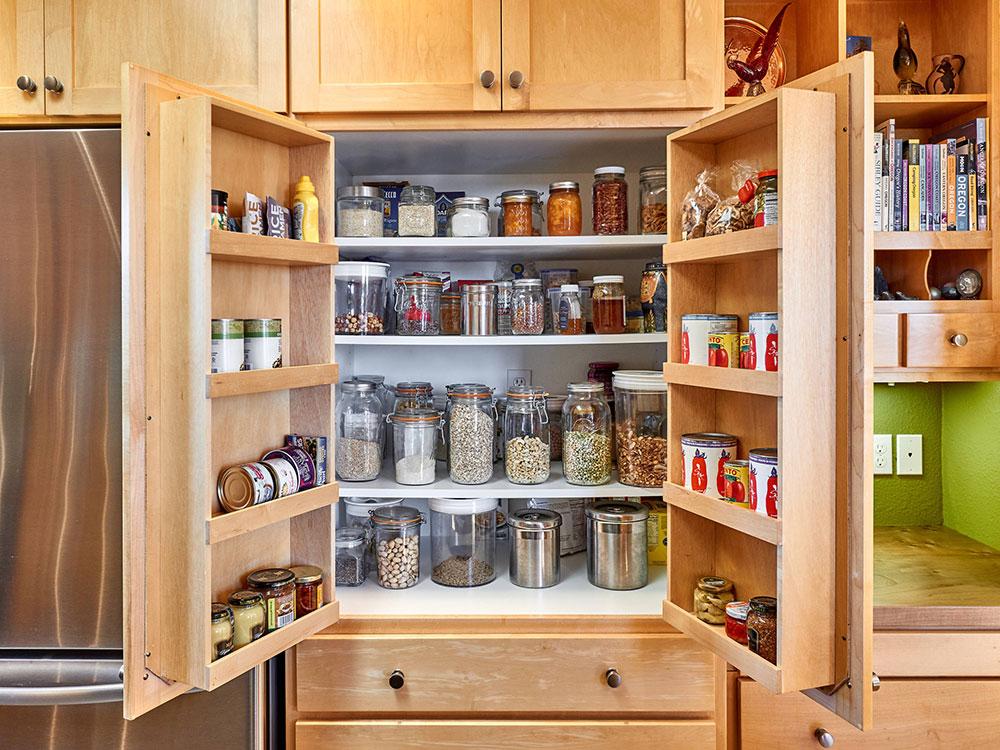 Fresh-Maple-Kitchen-Remodel-by-Powell-Construction Comment mettre à jour les armoires de cuisine sans les remplacer