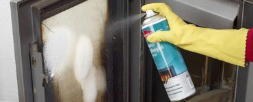 vinegar1 How to clean fireplace glass doors to look impeccable