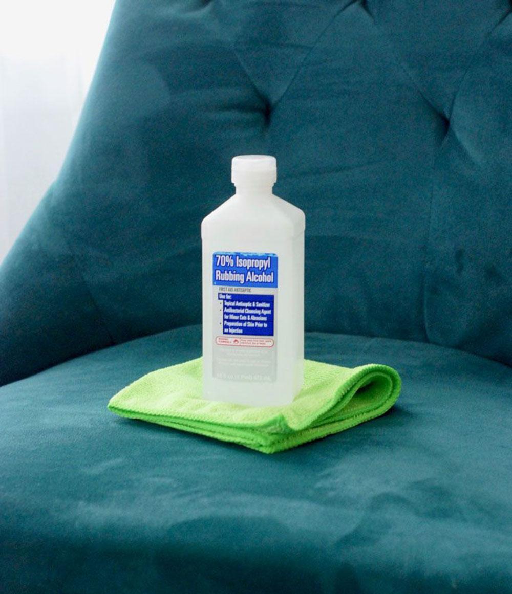 solvant Comment nettoyer les meubles en microfibre pour leur donner un aspect neuf