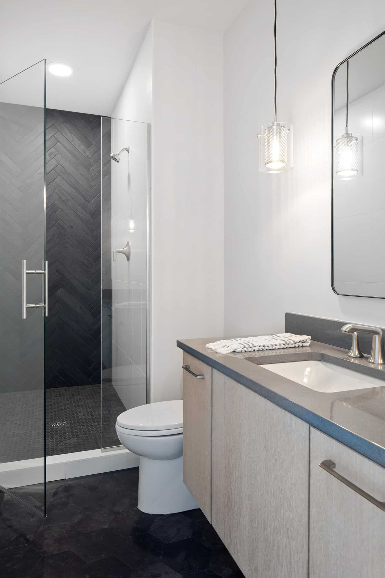 salle de bain-moderne-méditerranéenne