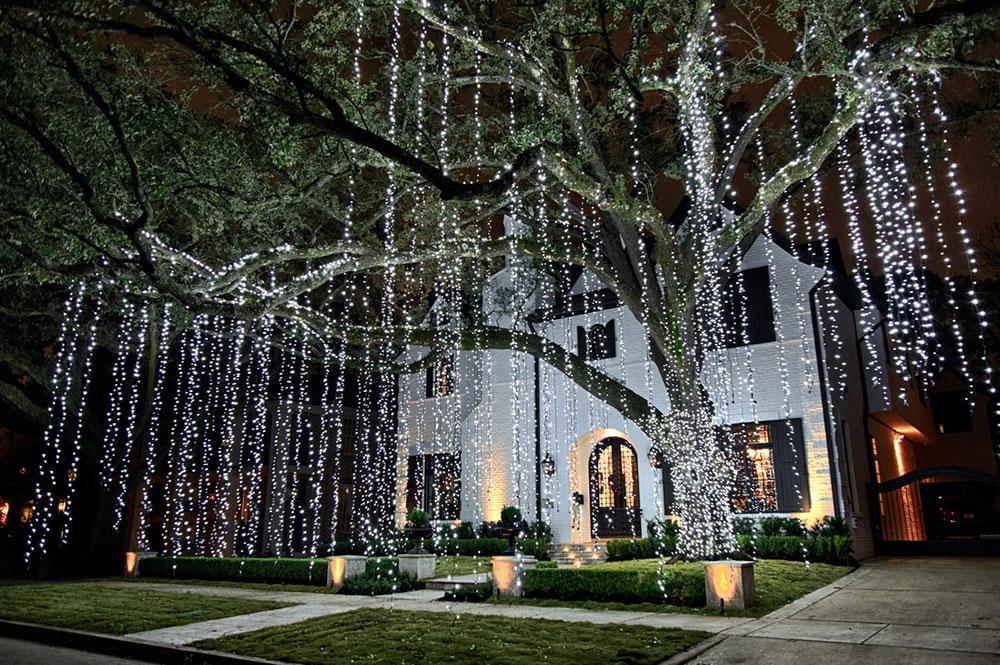 Christmas-Lighting-by-The-Perfect-Light Idées de lumières de Noël extérieures à utiliser lors de la décoration de votre maison