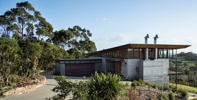 Tiri House par Strachan Group Architects sur l'île de Waiheke, Nouvelle-Zélande