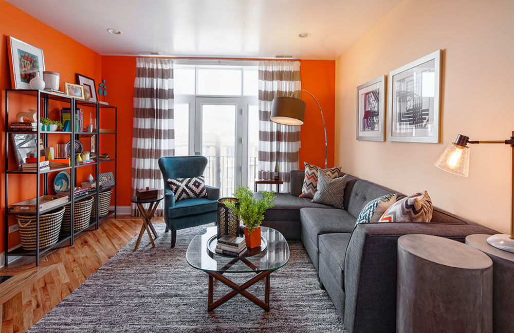 Contemporary-Condo-Living-Room-in-Chicago-by-Brooke-Lang-Design Comment organiser les meubles dans un salon maladroit