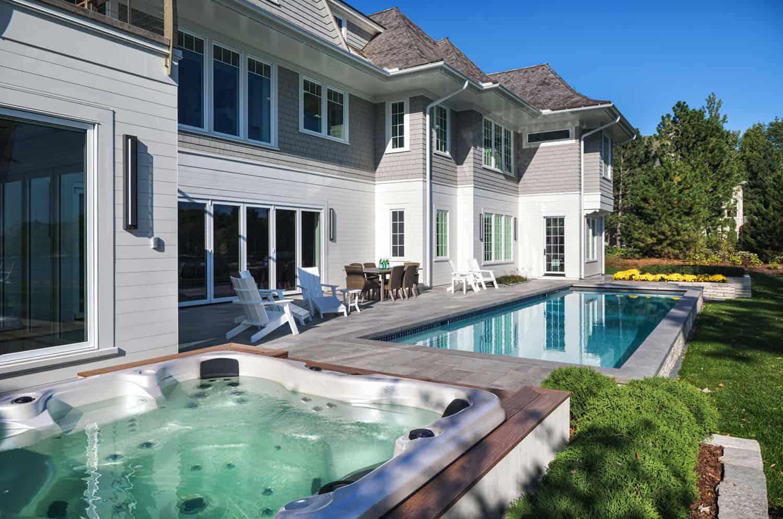 piscine-maison-au bord du lac