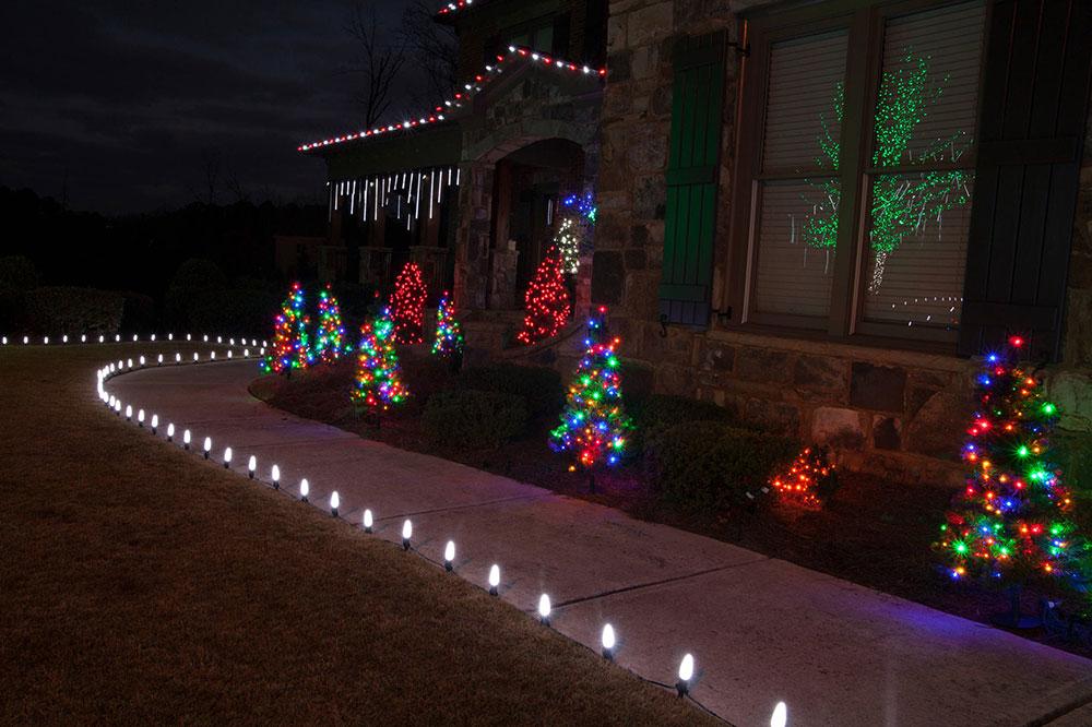 LED-Outdoor-Christmas-Lighting-by-Christmas-Lights-Etc Idées de lumières de Noël extérieures à utiliser lors de la décoration de votre maison