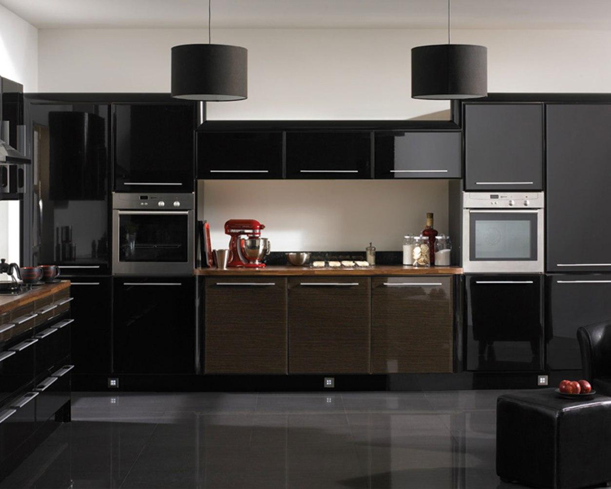 cuisines-avec-armoires-noires