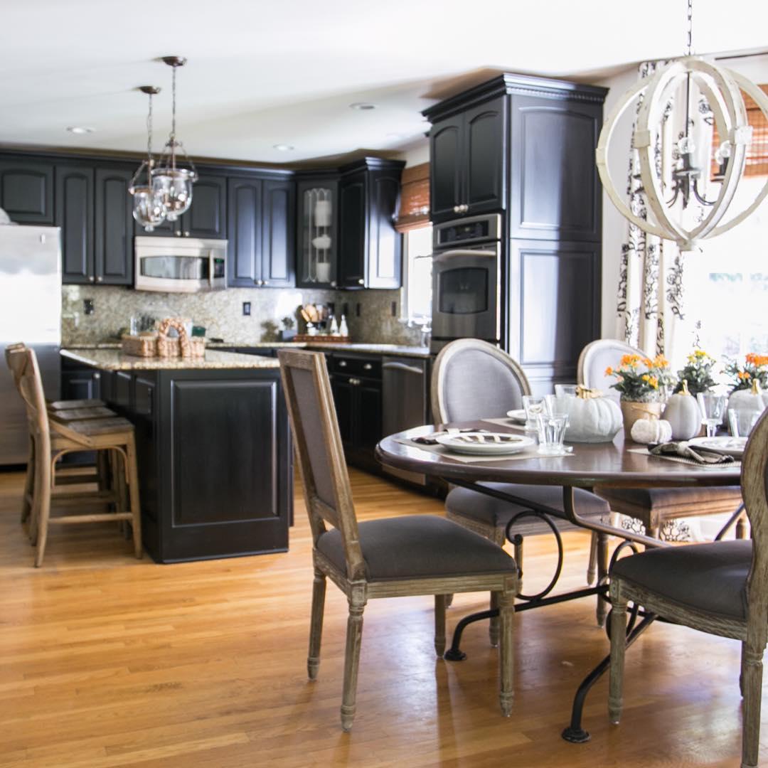 beau-noir-armoires-de-cuisine-design