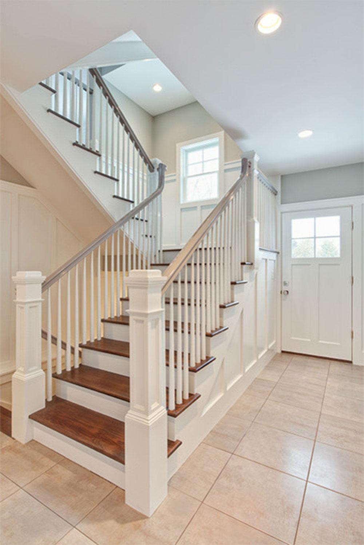 Shady-Knoll-Spec-by-Karp-Associates-Inc Les différents types d'escaliers à connaître