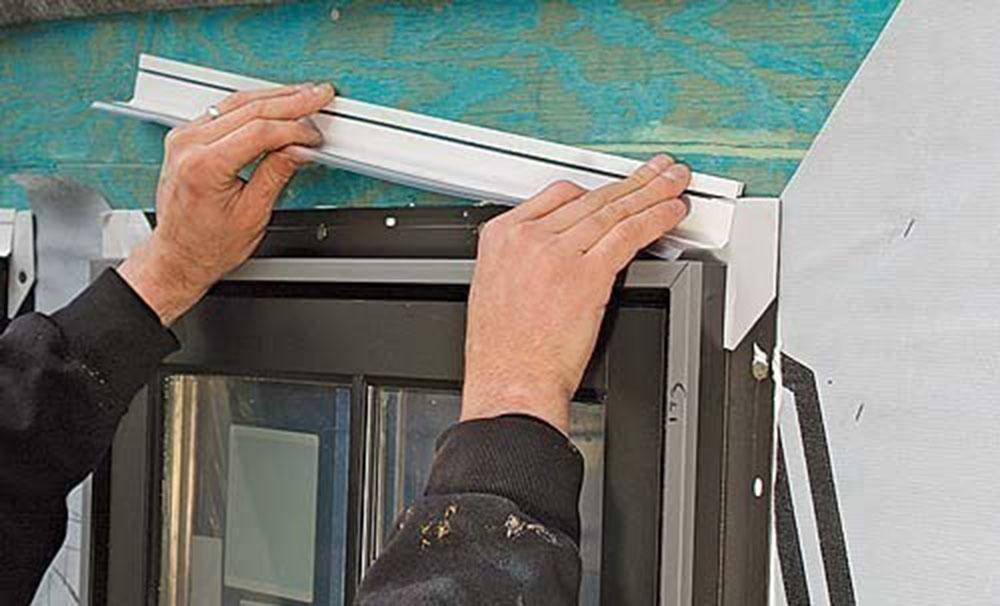 bardeaux1 Comment installer du ruban adhésif pour vitres sans erreur