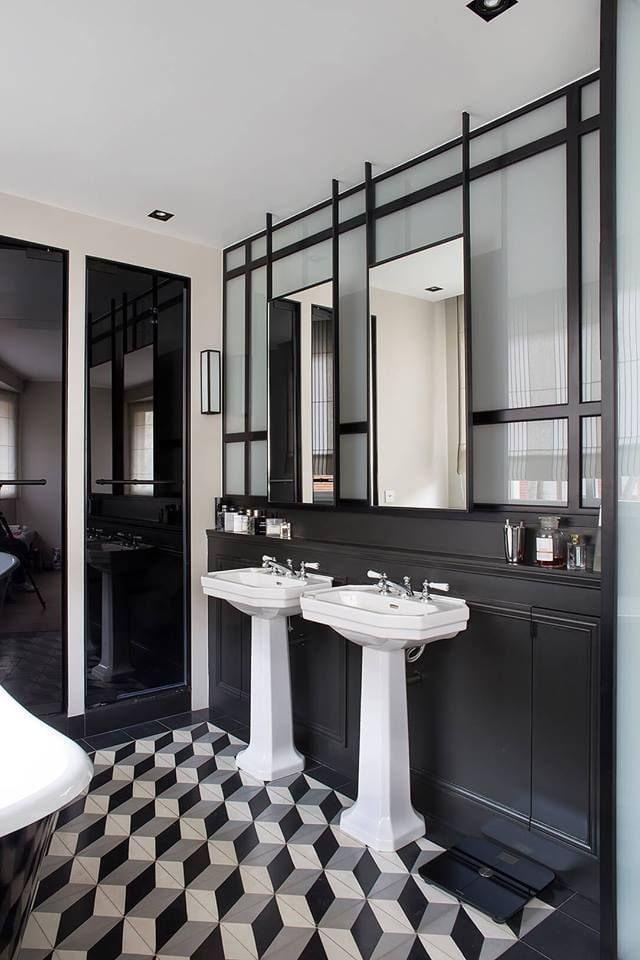 sol de salle de bain inhabituel