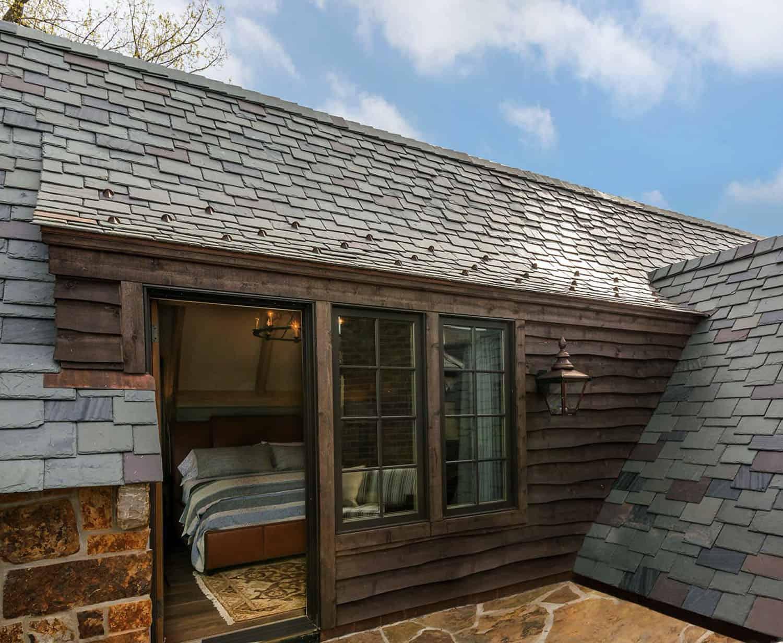 terrasse-sur-le-toit-traditionnelle-en-pierre