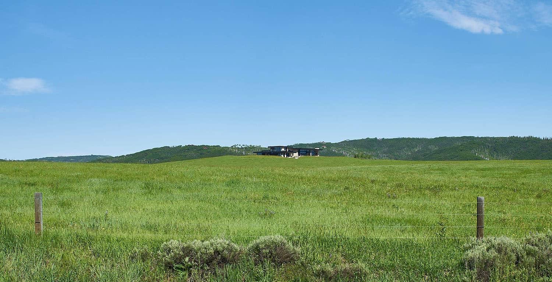 paysage-maison-de-prairie-moderne