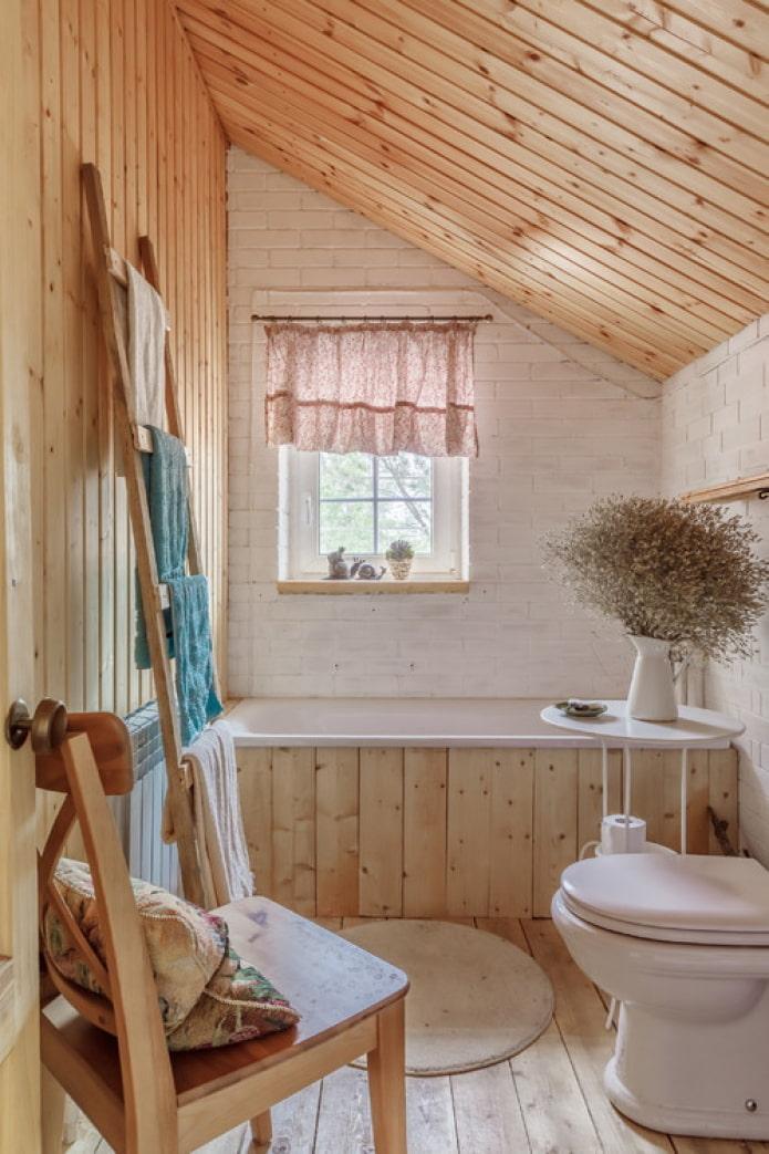 finition bois de la salle de bain
