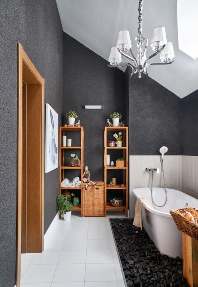 murs peints dans la salle de bain