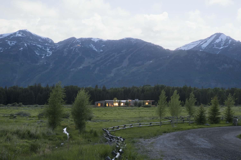 paysage-maison-de-ranch-rustique-moderne